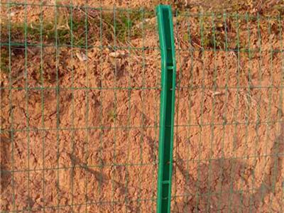 宁夏C型柱护栏网