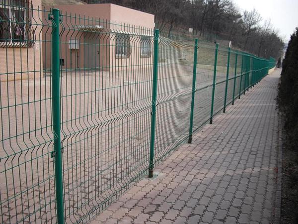 双边丝护栏网应用案例