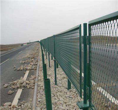 公路防眩网安装示例图