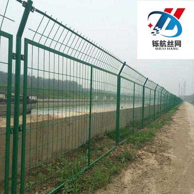 公路护栏网安装工程案例